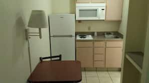 Fridge, microwave, stovetop