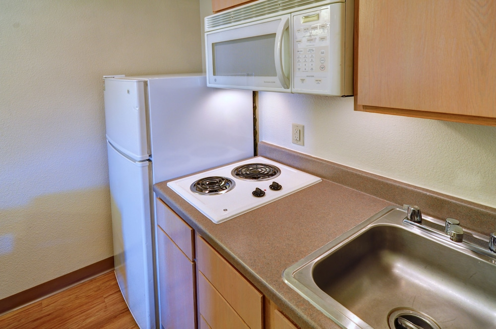 Private Kitchen, InTown Suites Extended Stay Lewisville TX East Corporate Drive