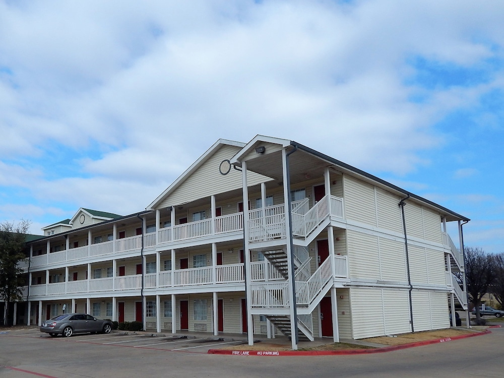 Exterior, InTown Suites Extended Stay Lewisville TX East Corporate Drive