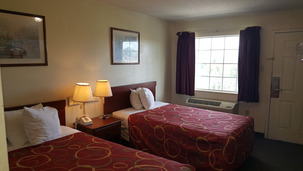 Room, Intown Suites Extended Stay New Orleans - Harvey