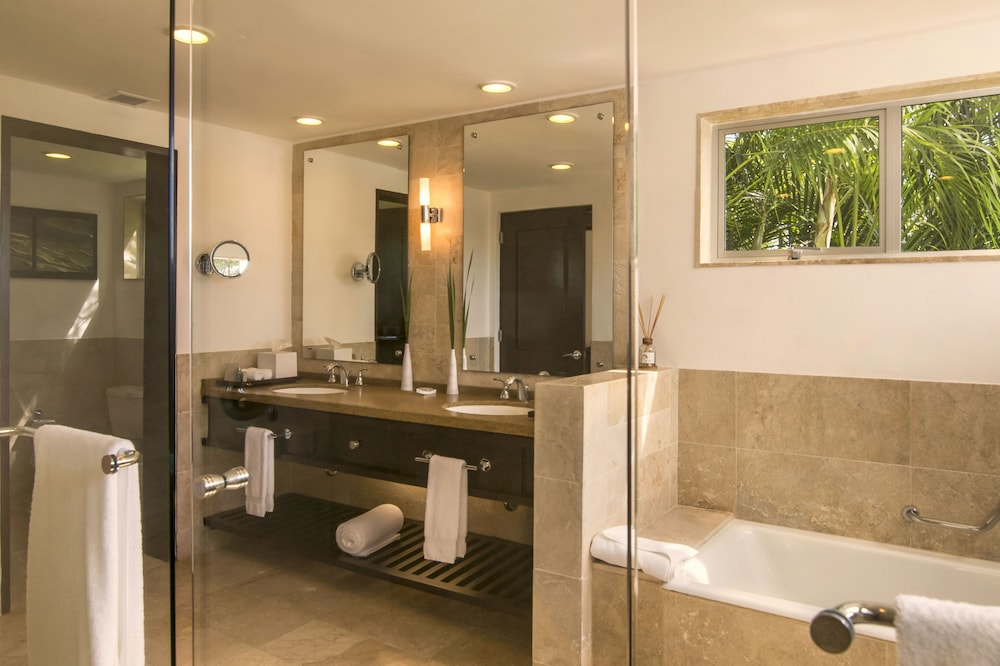 Bathroom, Casa de Campo Resort and Villas