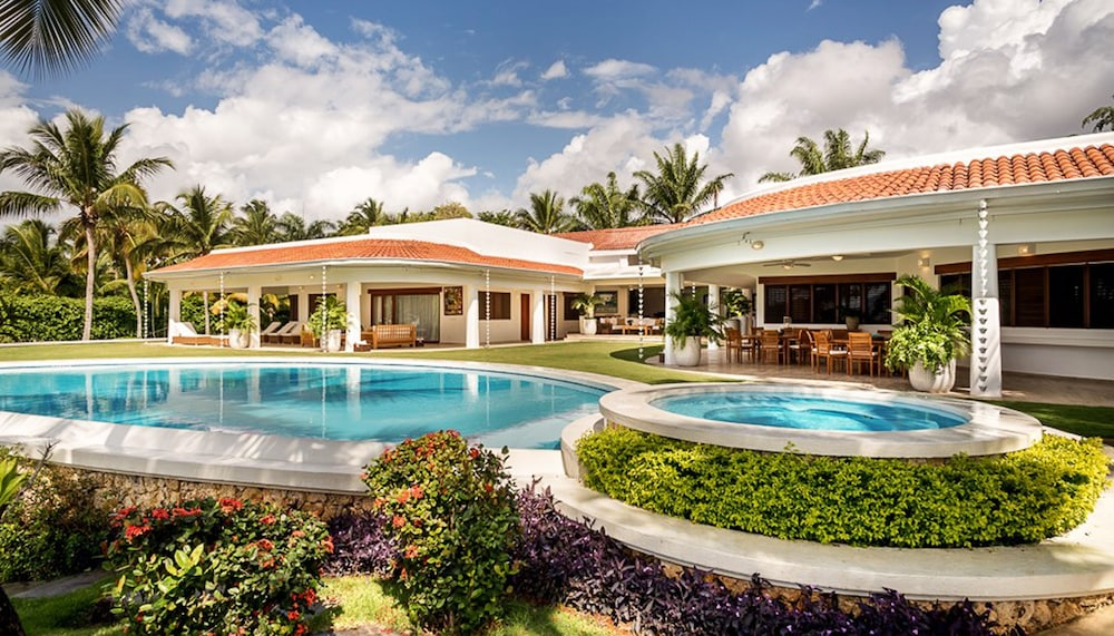 Book casa de campo resort and villas punta cana hotel deals for Hotel casa de campo
