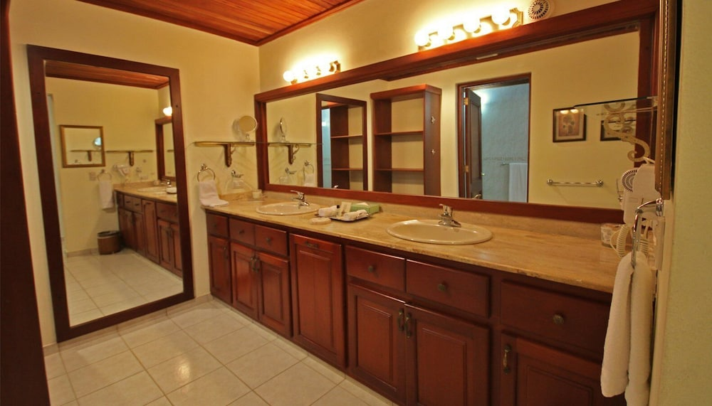 Bathroom Amenities, Casa de Campo Resort and Villas