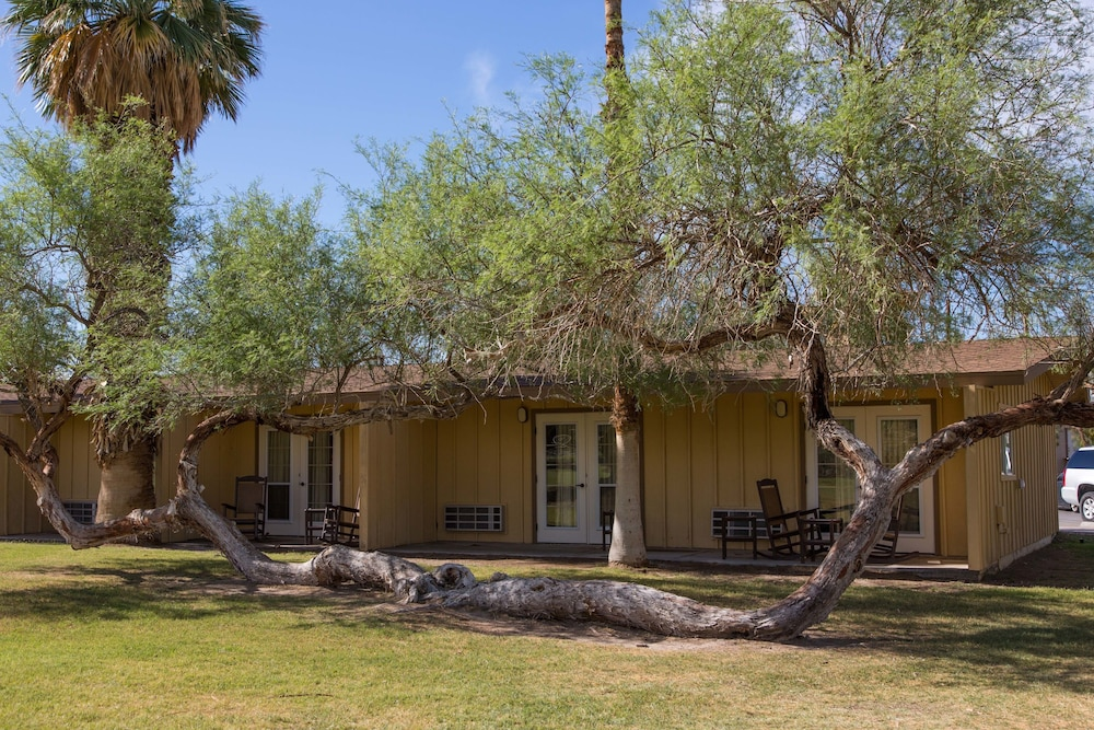 Exterior, The Ranch at Death Valley – Inside the Park