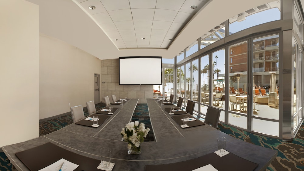 Meeting Facility, Shore Hotel