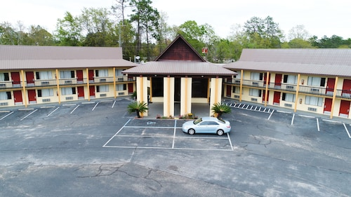 Great Place to stay Knights Inn Bonifay near Bonifay