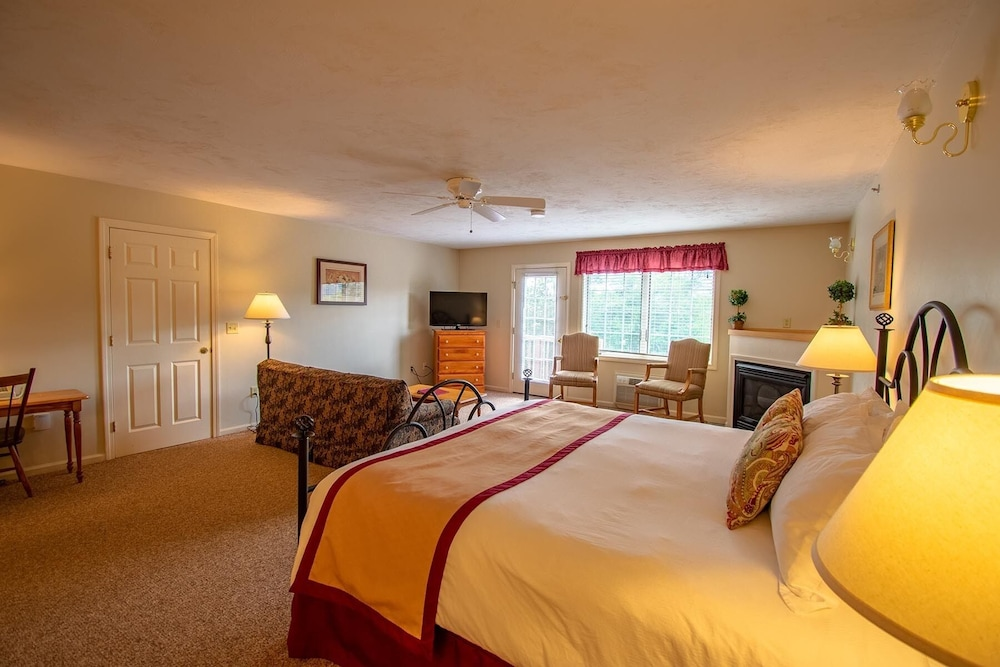 Room, Eastern Slope Inn Resort