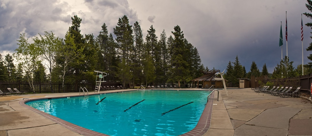 Outdoor Pool, Jackson Lake Lodge