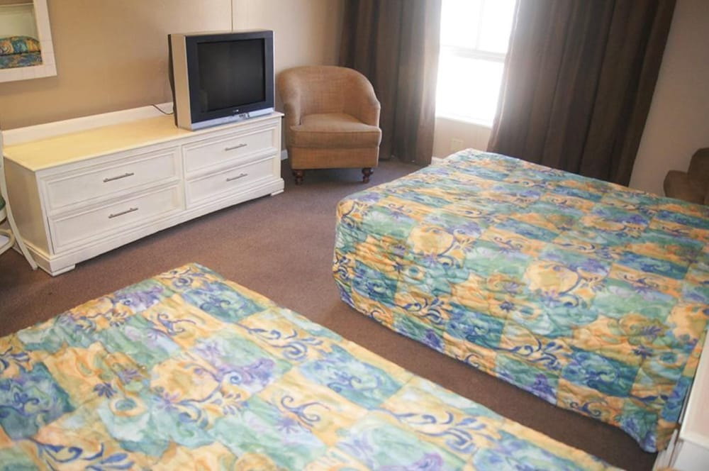 Room, Polynesian Beach & Golf Resort