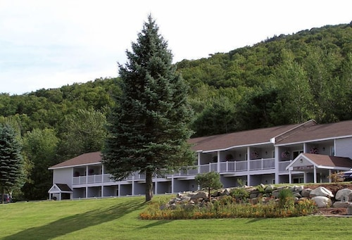 Property Entrance, The Lodge at Bretton Woods
