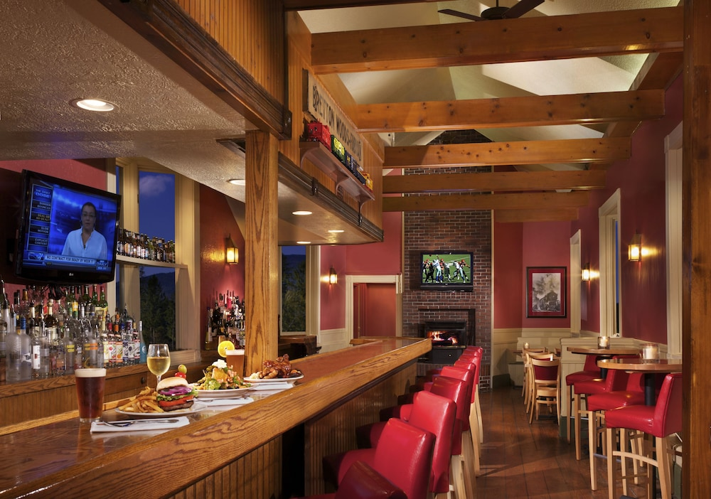 Bar, The Lodge at Bretton Woods