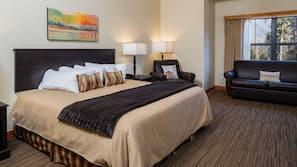 1 bedroom, premium bedding, down duvet, desk
