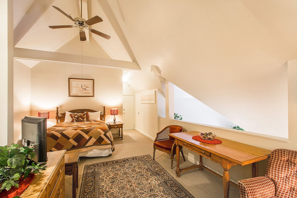 Room, The Lodge at the Mountain Village by ASRL