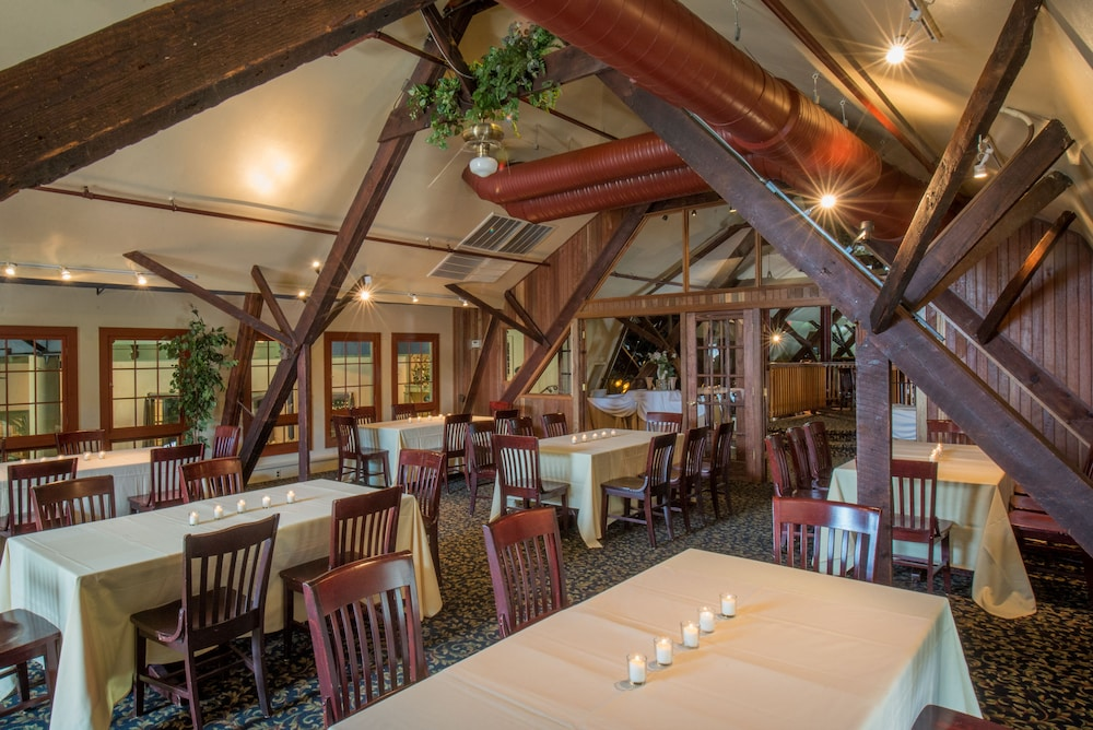 Longfellows Inn And Restaurant In Saratoga Springs Hotel Rates