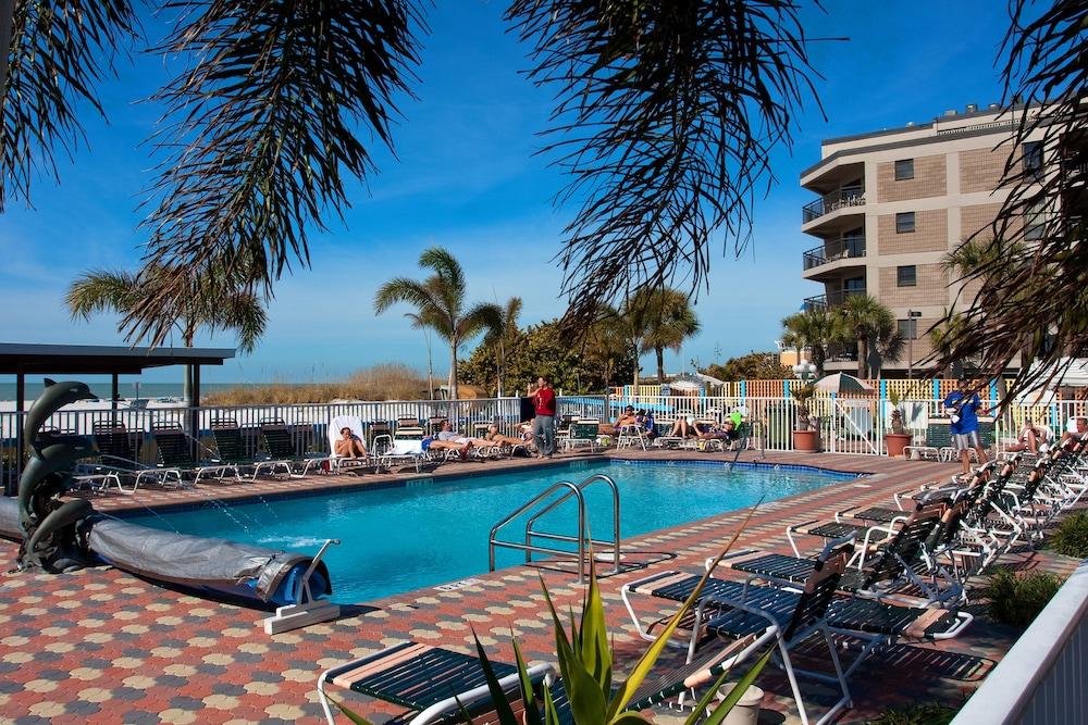 Rooms: Plaza Beach Hotel Beachfront Resort (St. Petersburg