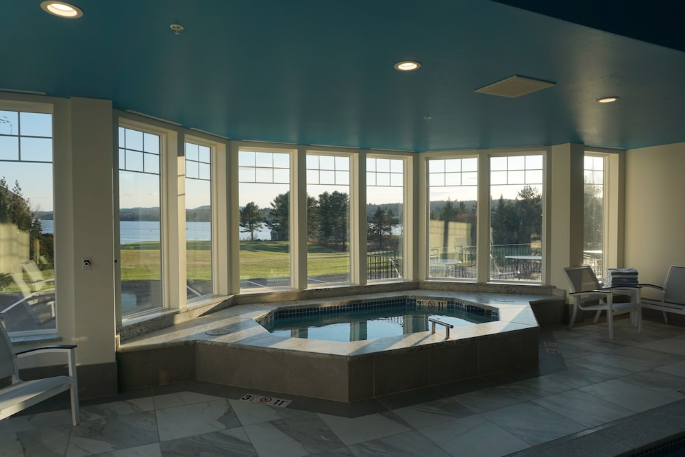 Indoor Spa Tub, Belfast Harbor Inn