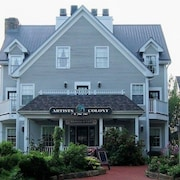 Artists Colony Inn & Restaurant