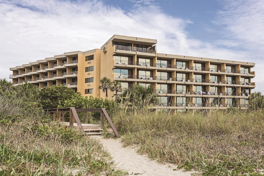 Oceanfront hotel deals in florida