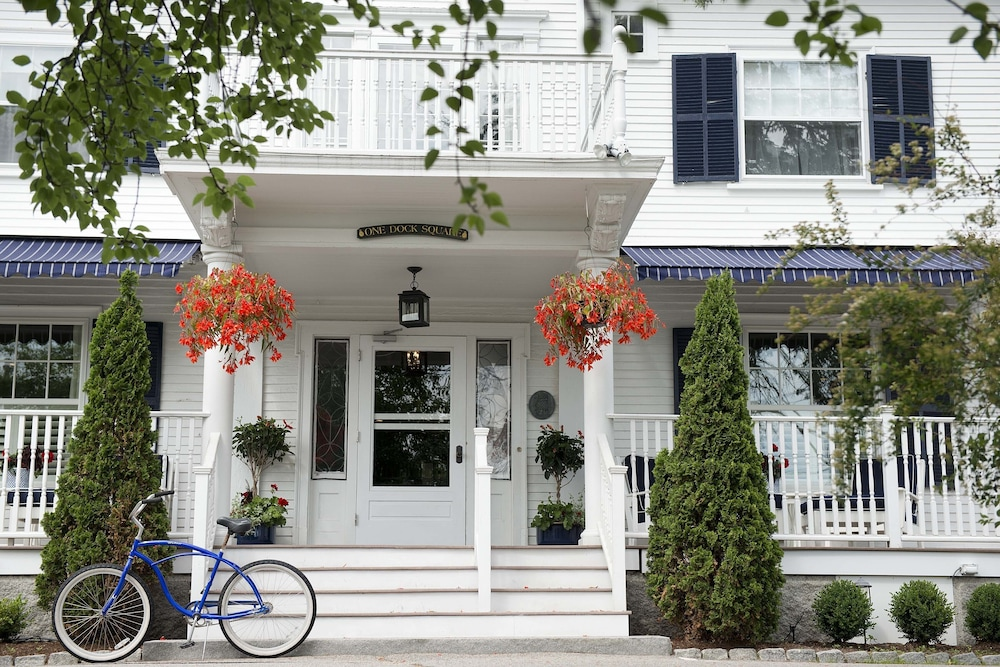 Front of Property, Kennebunkport Inn