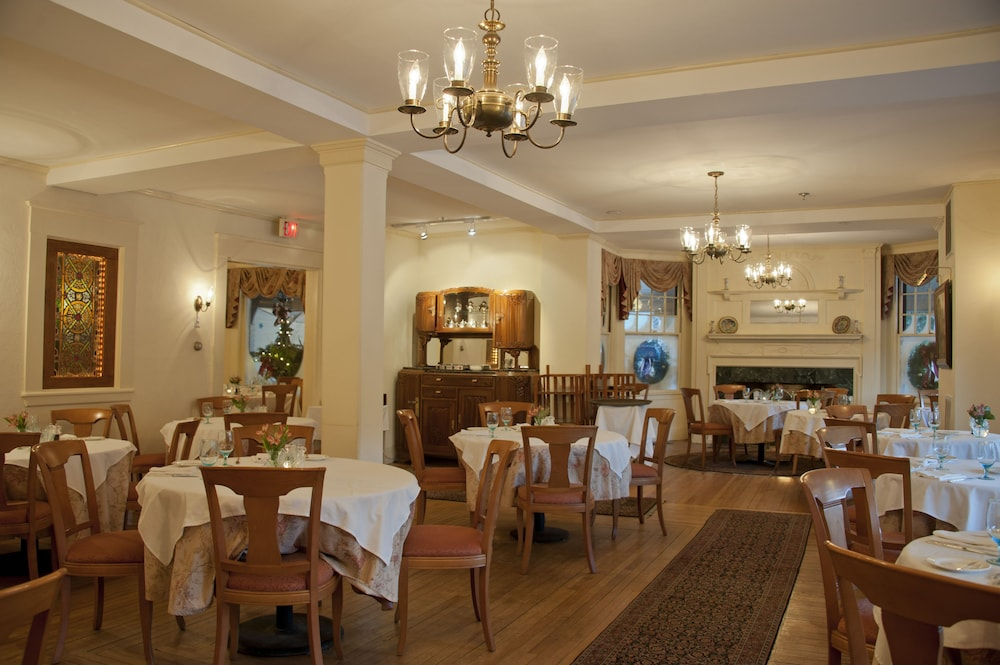 Restaurant, The Wentworth