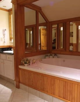 Jetted Tub, The Wentworth