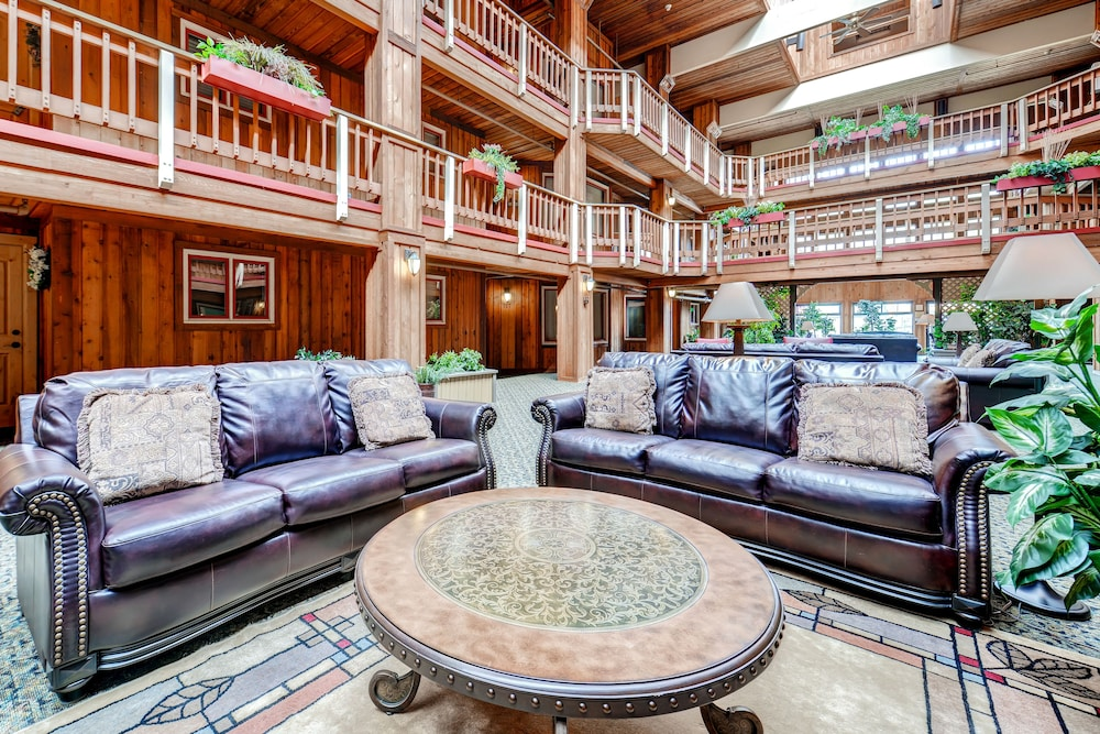Lobby Lounge, Atrium Condominiums