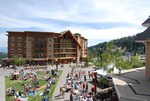 Schweitzer Mountain Resort - White Pine Lodge