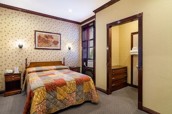 Standard Double Room, Shared Bathroom - Guestroom