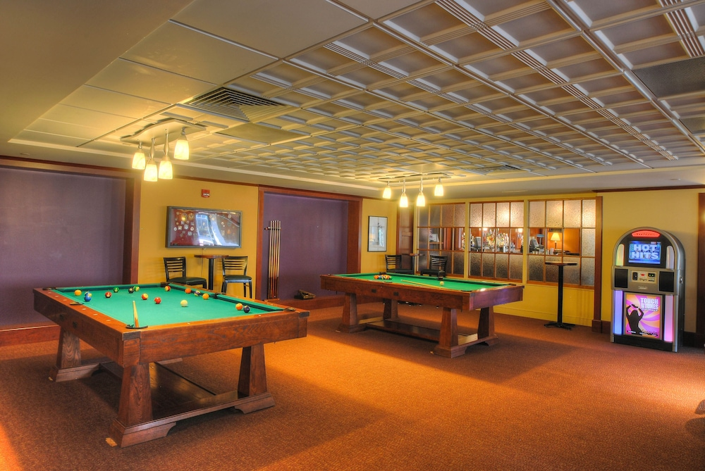 Billiards, Southbridge Hotel and Conference Center