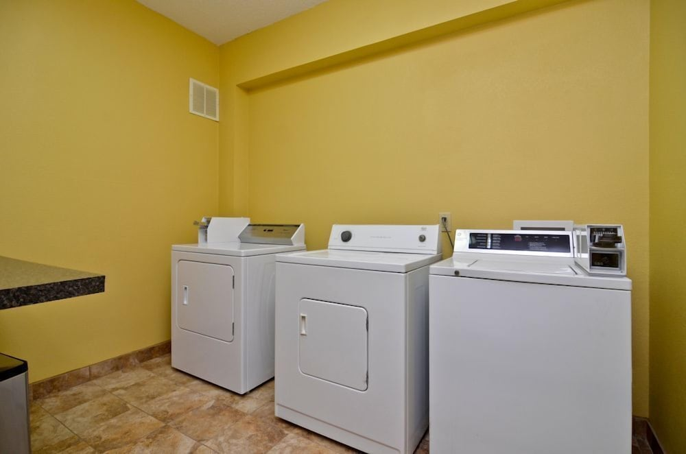 Laundry Room, Best Western Plus Wilmington/Carolina Beach