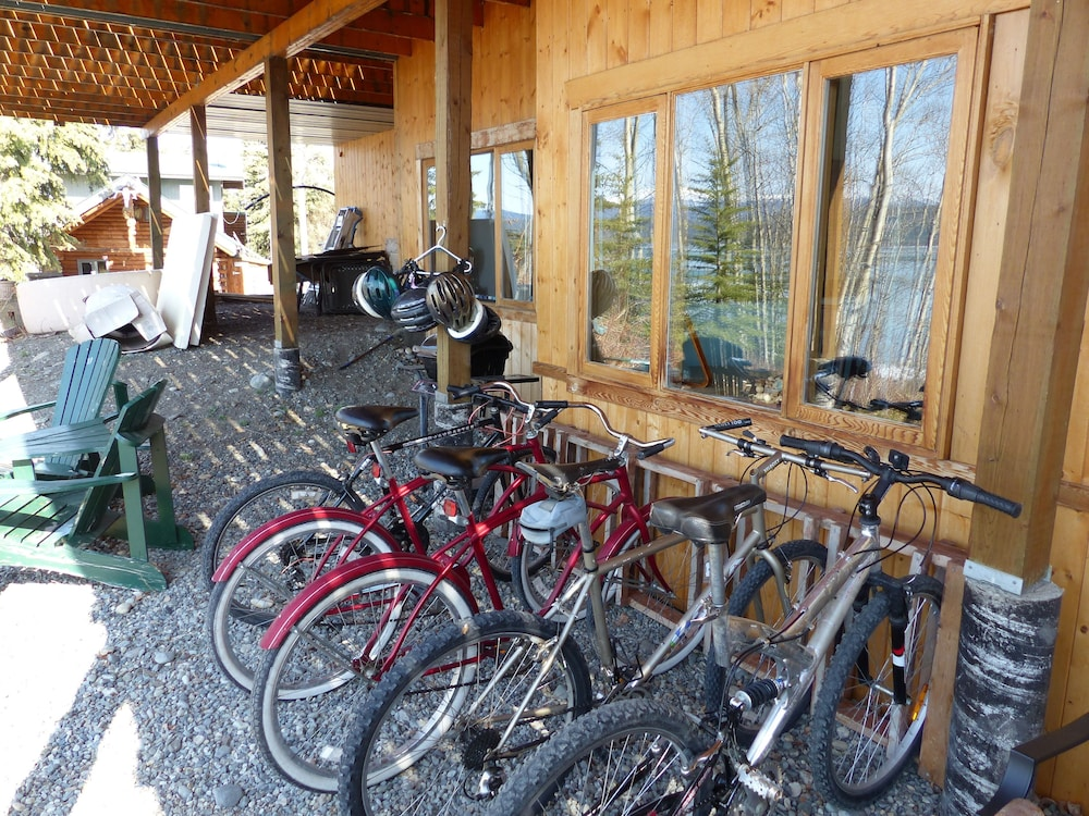 Bicycling, Inn on the Lake