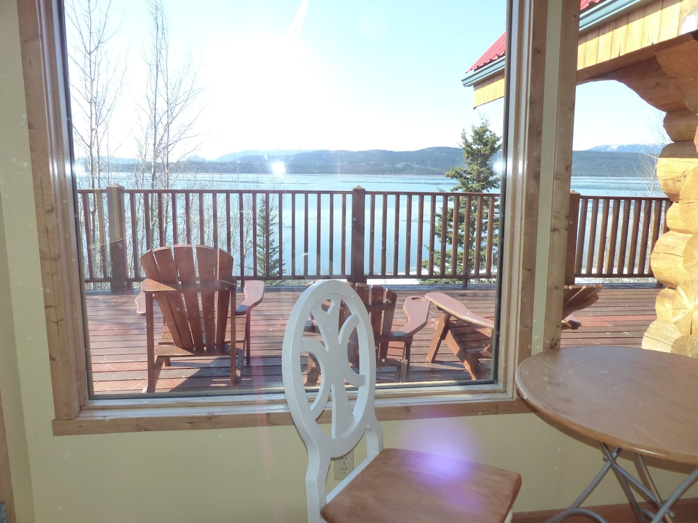 Terrace/Patio, Inn on the Lake