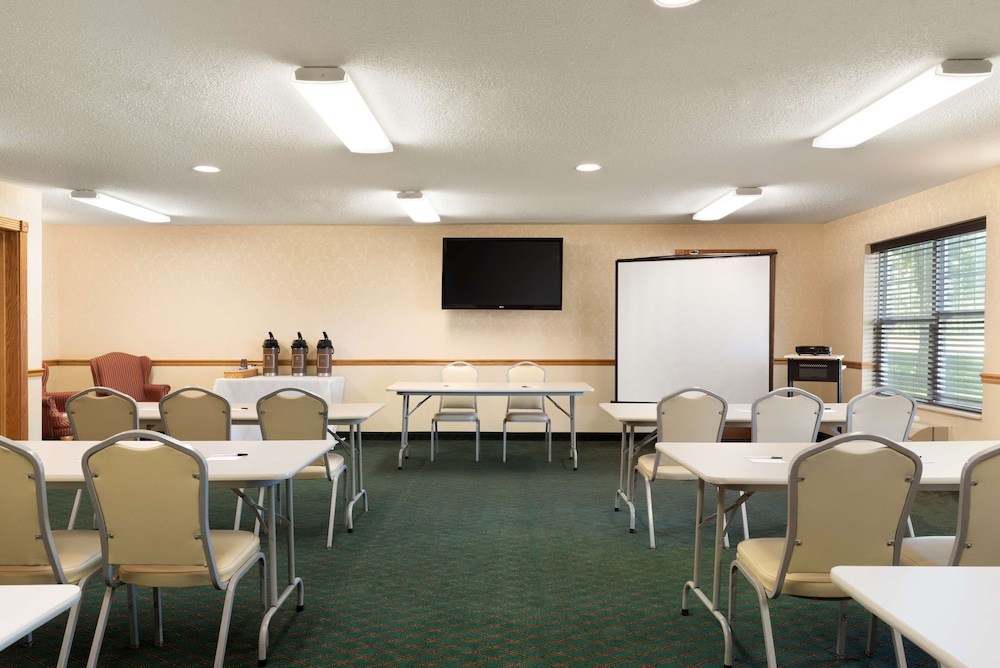 Meeting Facility, Country Inn & Suites by Radisson, Mason City, IA