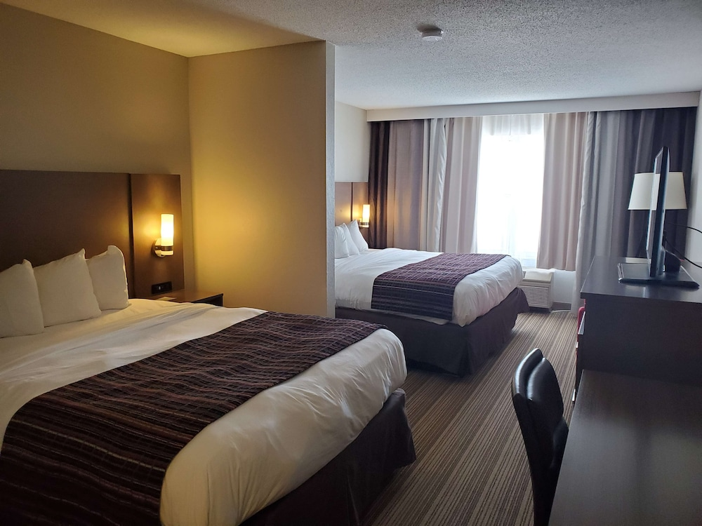 Room, Country Inn & Suites by Radisson, Mason City, IA