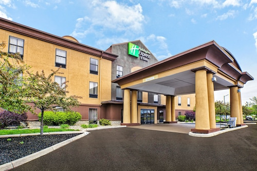 Holiday Inn Express Hotel and Suites Marysville