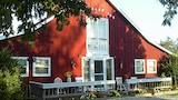 Kennedys Red Barn Inn - Perry Hotels