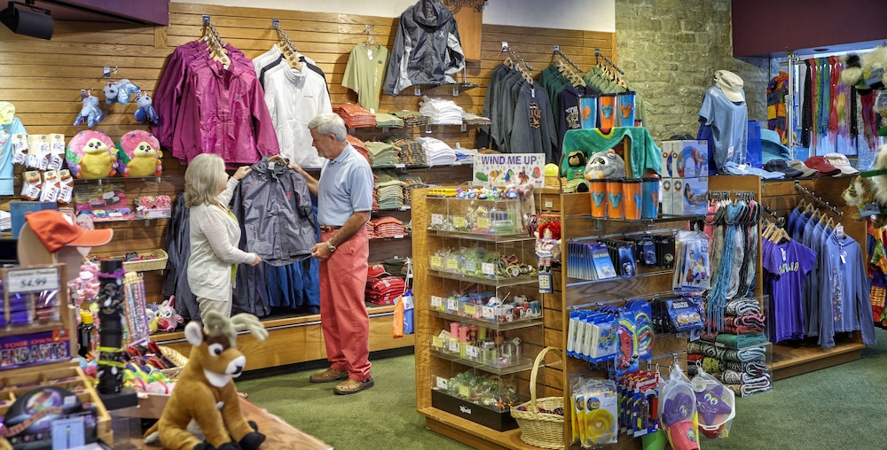 Gift Shop, Deer Creek Lodge & Conference Center