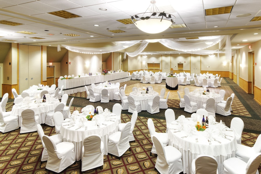Banquet Hall, Deer Creek Lodge & Conference Center
