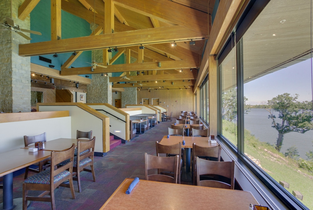Restaurant, Deer Creek Lodge & Conference Center