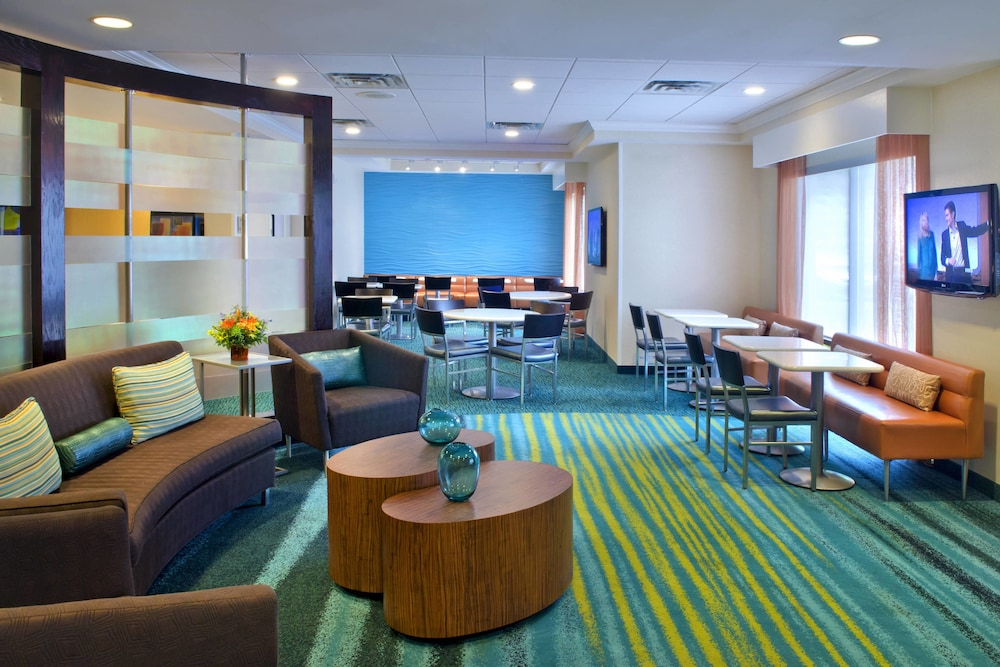 Bar, Springhill Suites By Marriott - Danbury