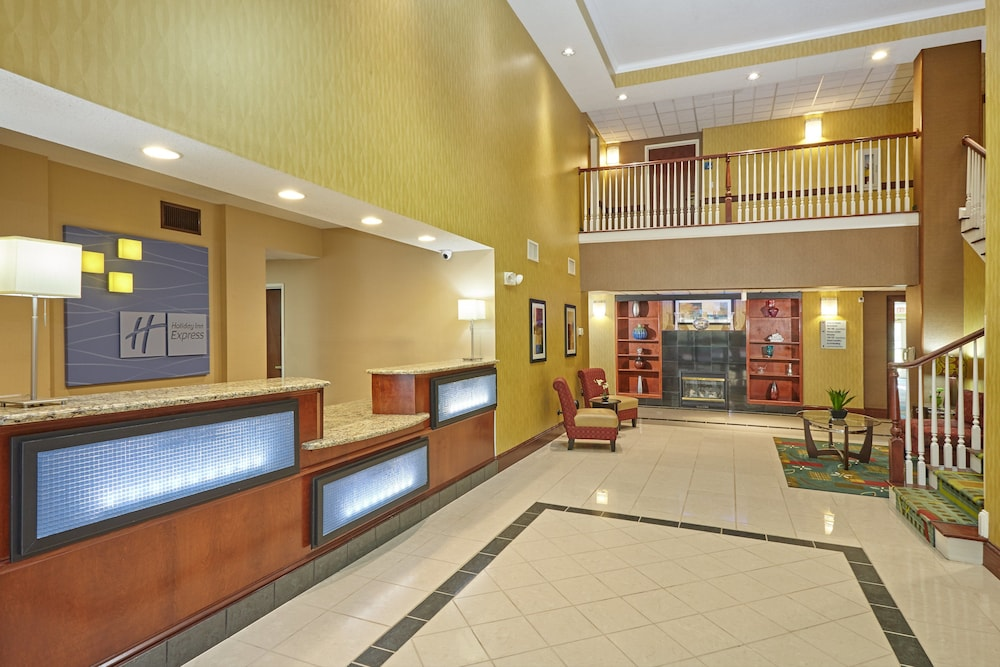 Lobby, Holiday Inn Express Hotel & Suites Buford-Mall of Georgia, an IHG Hotel