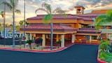 Mulberry Life Inn & Suites Moreno Valley (Lake Perris) - Moreno Valley Hotels