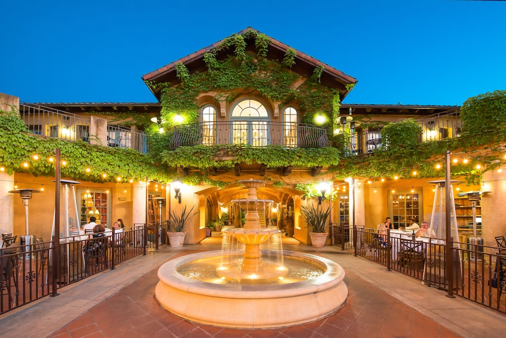 Front of Property, Hotel Los Gatos