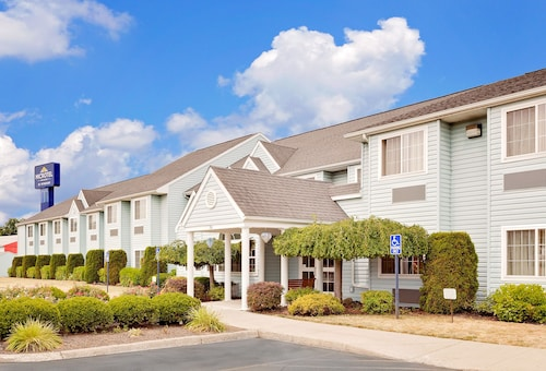 Great Place to stay Microtel Inn & Suites by Wyndham Wellsville near Wellsville