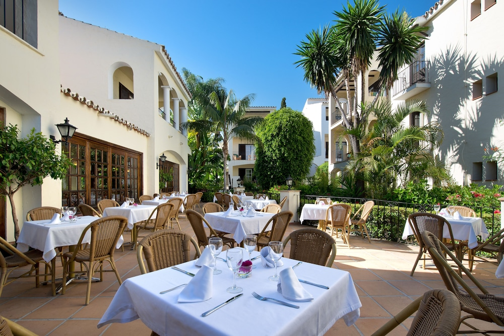 Outdoor Dining, Hotel BlueBay Banús