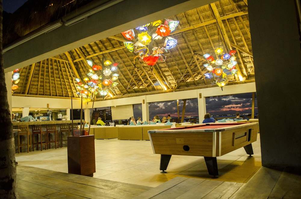 Billiards, Mia Reef Isla Mujeres - All Inclusive