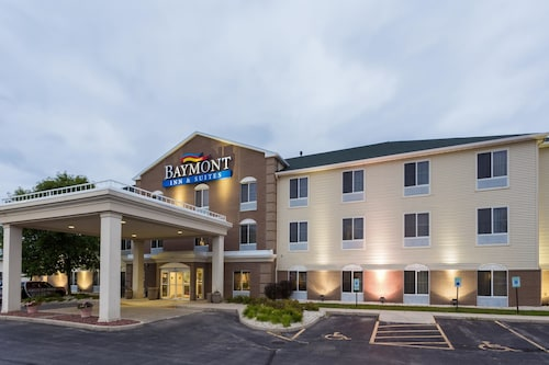 Baymont Inn and Suites Waterford/Burlington, WI
