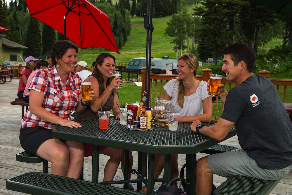 Outdoor Dining, Grand Targhee Vacation Rentals