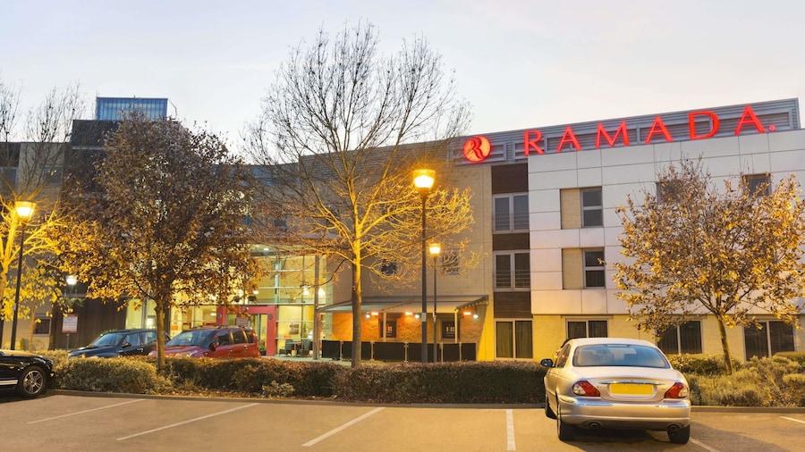 Ramada by Wyndham London North M1