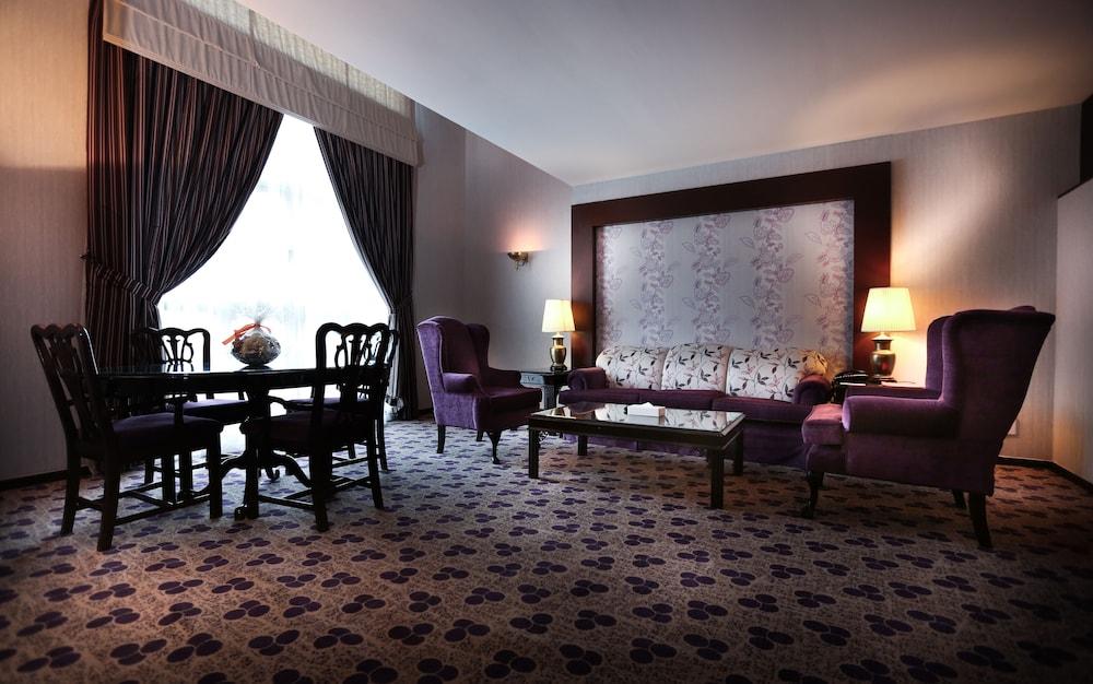 Hawthorn suites by wyndham al khobar al khobar prince for Al majed hotel istanbul